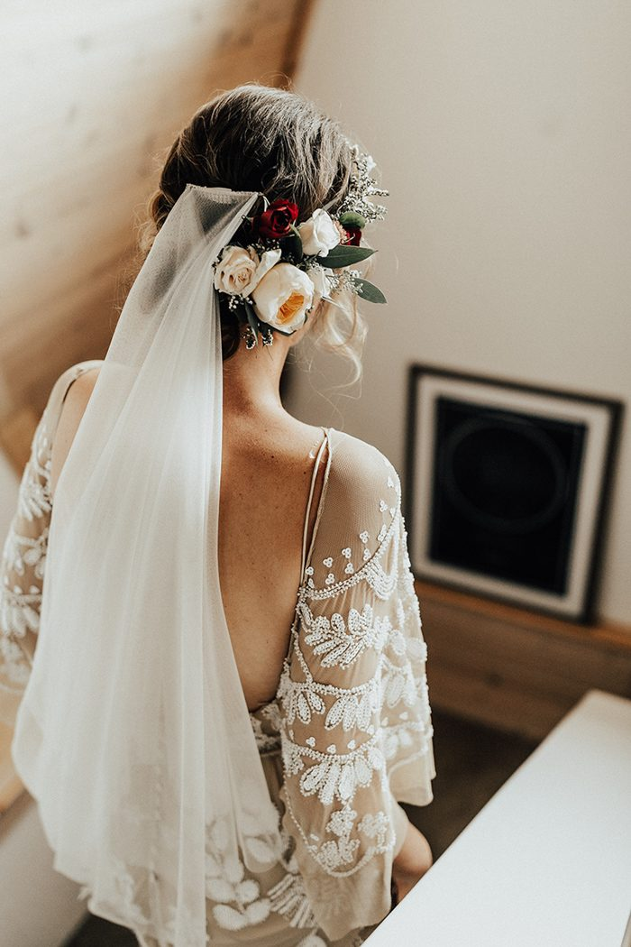 She finished her look with fresh blooms and a veil
