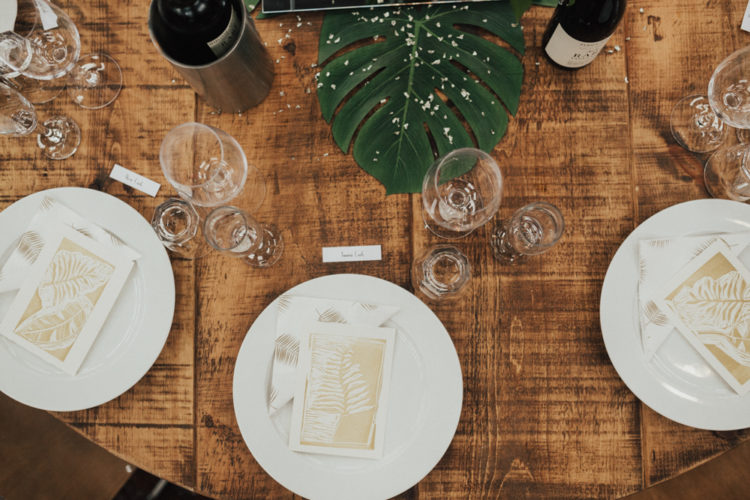 The decor was pretty simple yet cozy and welcoming, tropical touches added a refined feel