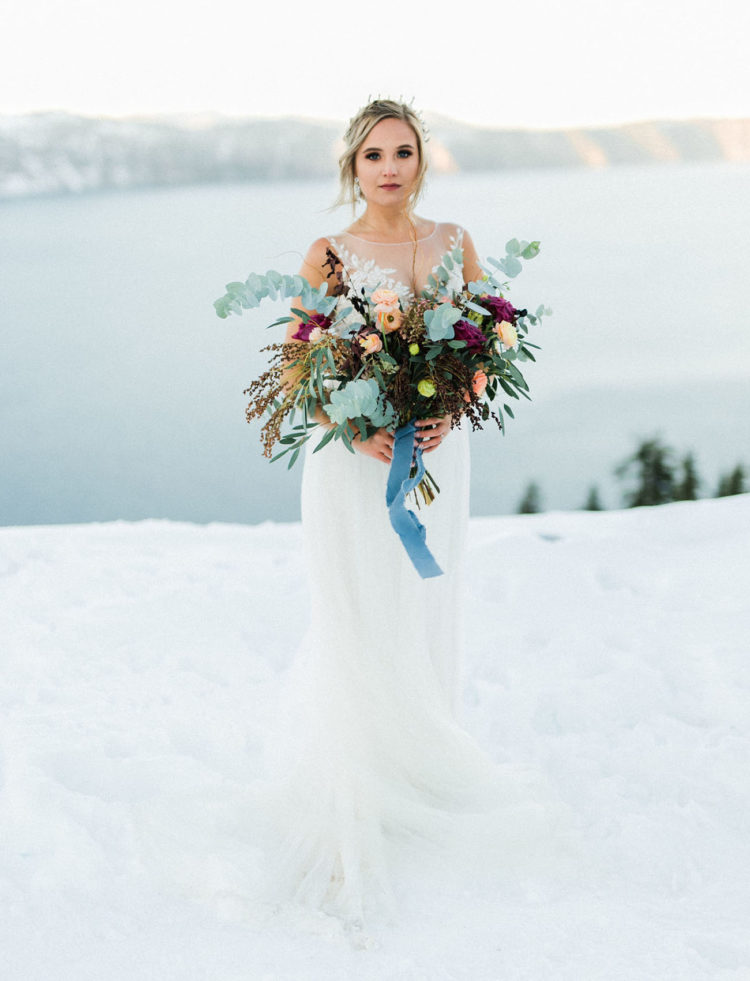 The bride reminded us Elsa from the Frozen and an ice queen at the same time