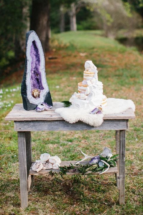 serve your wedding cake with amethysts and a large piece to make a statement