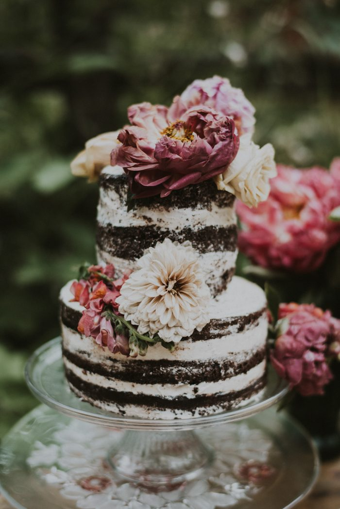 The wedding cake was a naked one with large blooms
