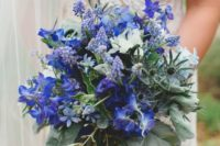 24 Belladonna Delphinium, muscari, scabiosa, veronica, thistle, and hyacinth in blue tones – an ideal solution for something blue