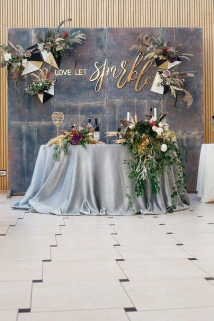 27 Coolest Sweetheart Table Backdrops To Try Weddingomania