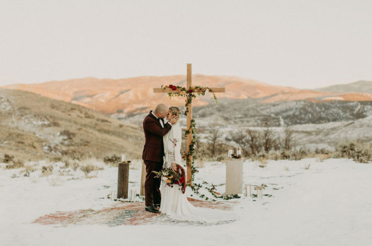 This wedding on a snowy mountaintop was inspired by boho chic, wild theme and deep love between the two people