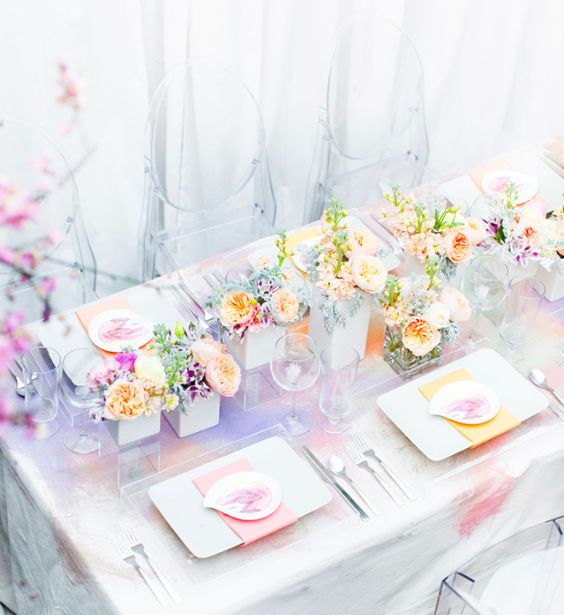 a watercolor wedding tablecloth, bold blooms and napkins for a cool look
