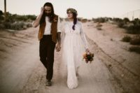 01 This couple opted for a vintage boho desert wedding, for which they had been preparing for a whole year
