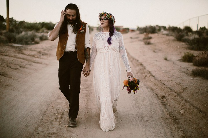 This couple opted for a vintage boho desert wedding, for which they had been preparing for a whole year