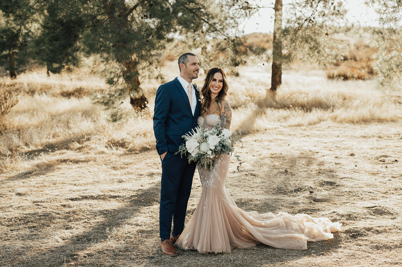 This gorgeous couple will show you how to mix glam, boho and rustic touches to get a perfect combo