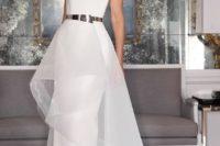 10 a minimalist wedding dress accentuated with a shiny metallic belt looks wow