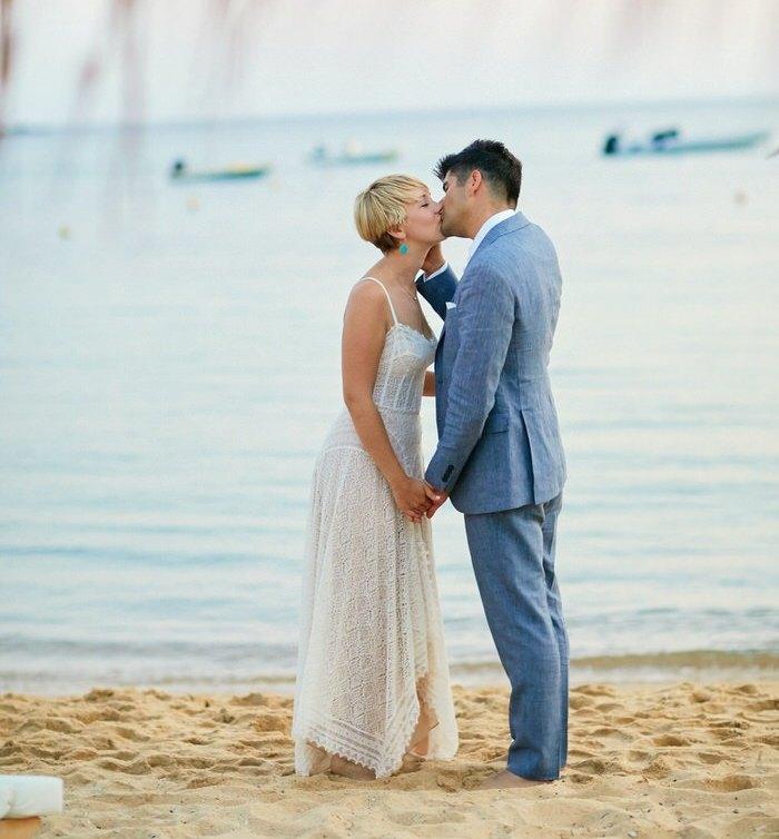 wedding dress with a sweetheart neckline