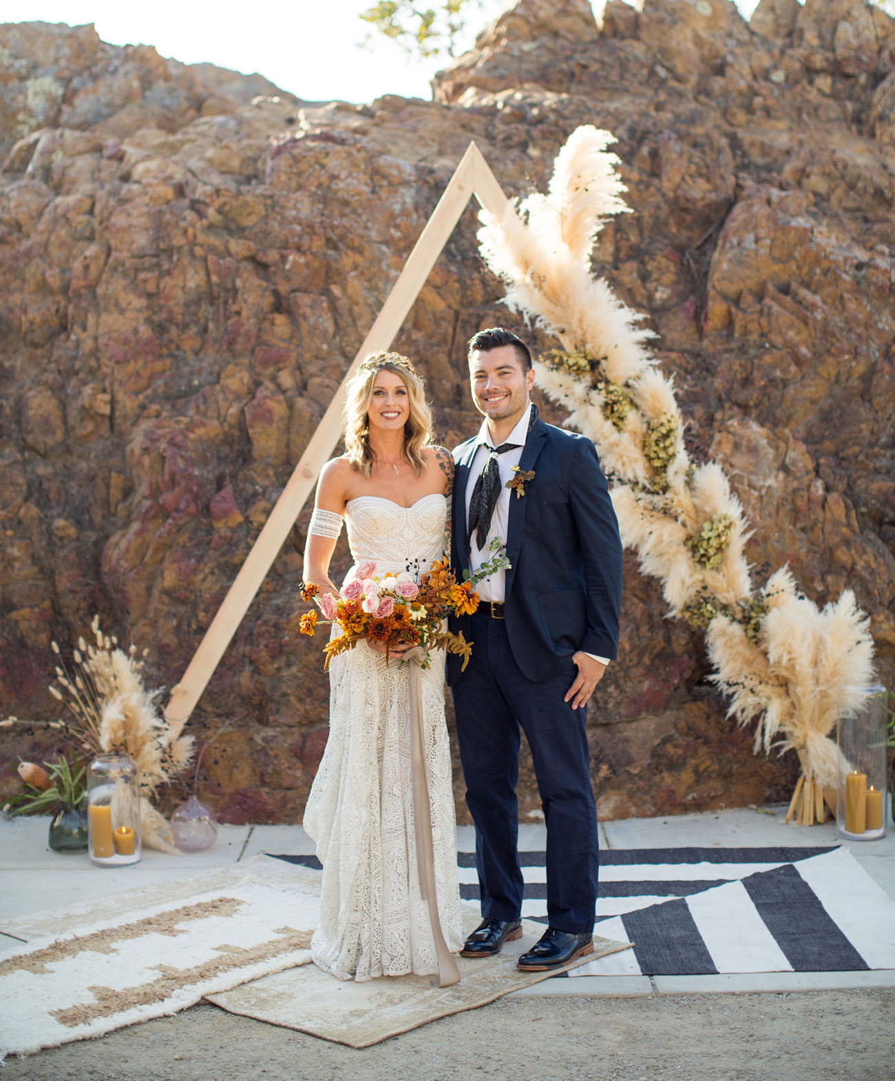 This bold wedding shoot is a boho one, with edgy and trendy touches and bright colors