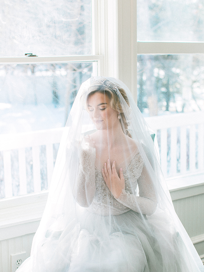 Doesn't the bride look like a Disney princess