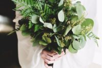 10 a chic fern and eucalyptus bouquet for a tender and romantic bride