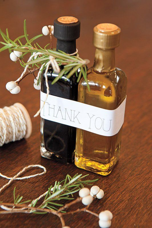 olive oil and balsamic vinegar bottles are ideal for vineyard weddings or for destination Italian ones
