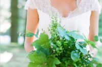 18 a simple and cute greenery wedding bouquet for a modern bride to add a fresh touch