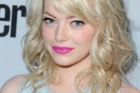 25 messy wavy hair down with a fringe is a chic idea with a sexy feel