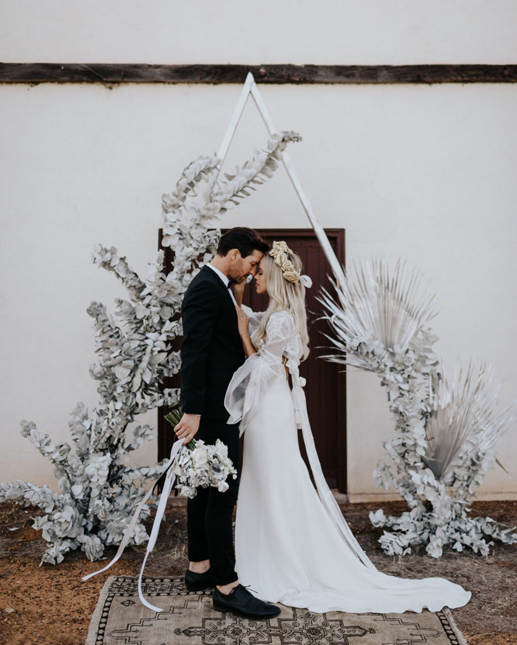 This gorgeous wedding shoot was done in silvery tones and with boho and rustic touches