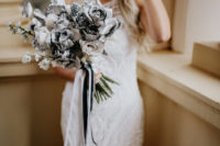 02 Look at this creative and unique spray painted bridal bouquet, isn't it wow
