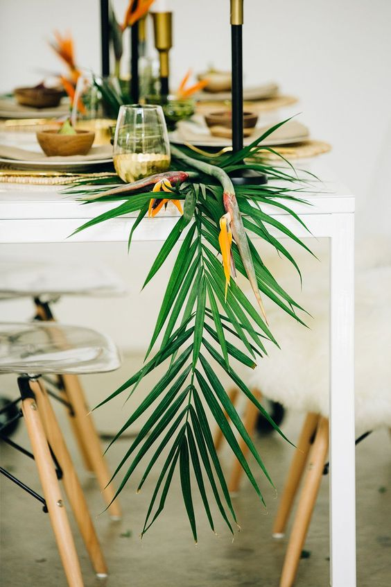 25 Lush Tropical Wedding Table Runners Weddingomania