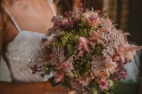 04 Look at this super textural bouquet – isn't it amazing