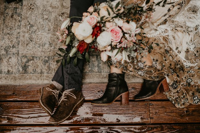 Black booties added a boho feel to her look