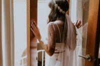 bride with an elegant headpiece