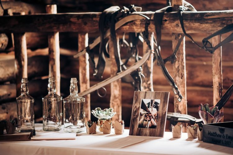 The wedding had a lot of DIY including decor and favors, all that was made by the couple themselves