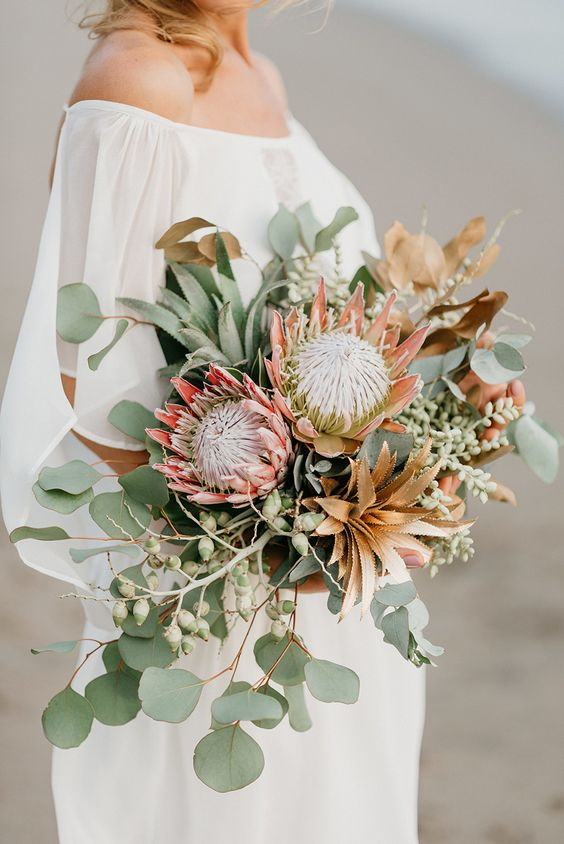 really unique and creative wedding bouquet