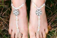 22 cute beach wedding sandals with pearls and beads and rhinestone flowers for a garden bride
