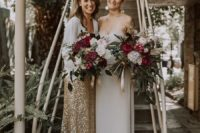 01 These beautiful brides organized a very simple and stylish wedding filled with love and spruce dup with glitter