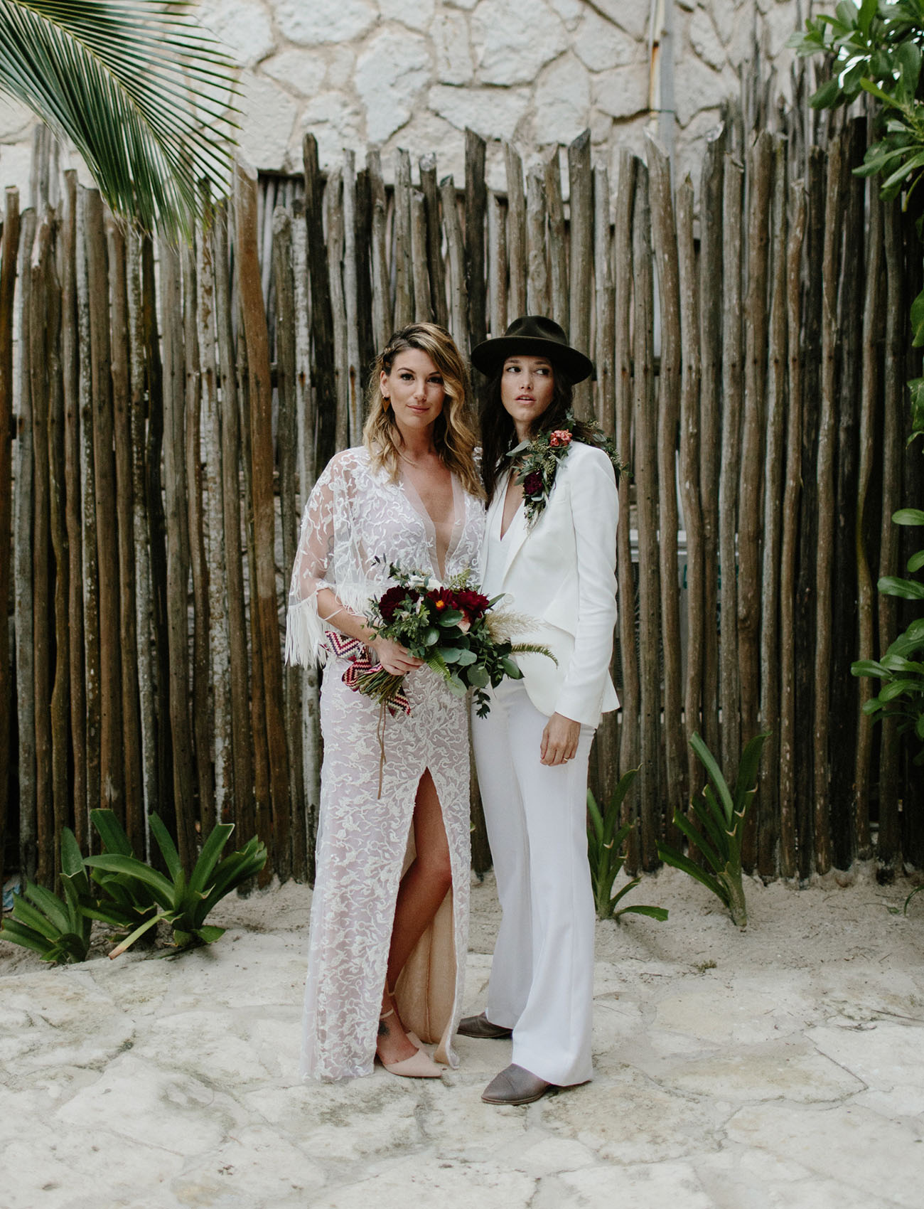 This beautiful couple got married in Tulum, the wedding was with rock n roll and moody vibes