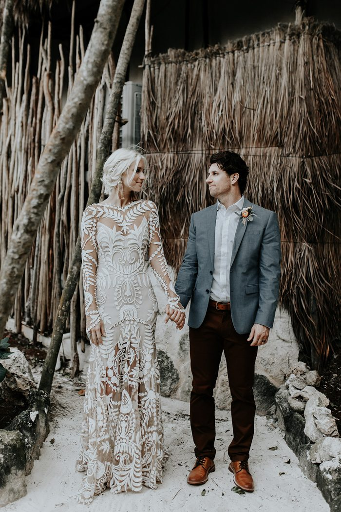 This beautiful couple tied the knot in Tulum enjoying the beaches, sand, ocean and tropics around