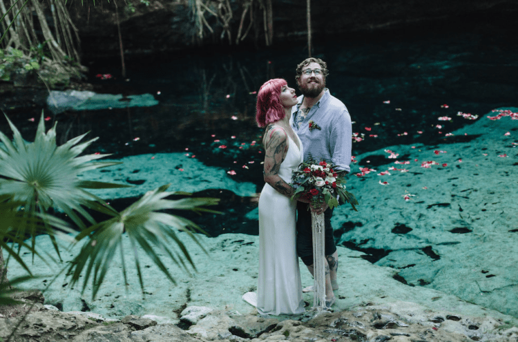 This couple decided to elope to Tulum to tie the knot and make it inspired by nature