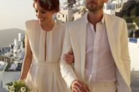 04 a creamy suit, a white shirt for a relaxed look and the bride in a matching casual dress