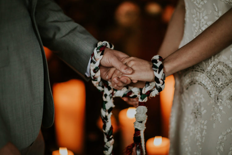 The couple went through an Irish tradition with hand fastening