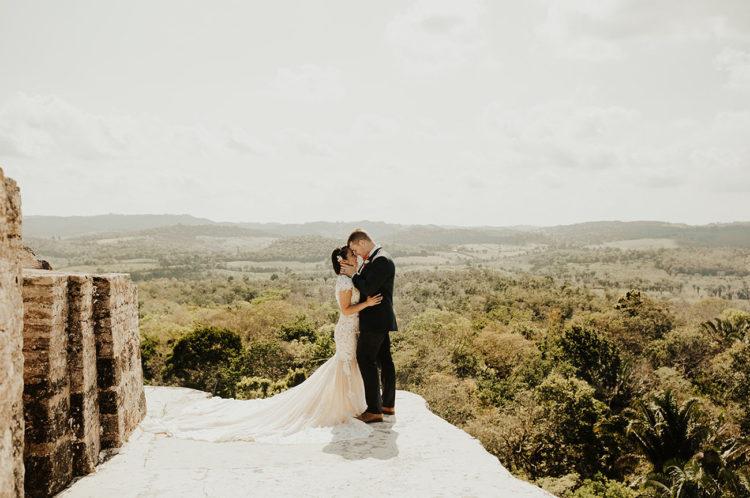 Enjoy more pics of this beautiful wedding