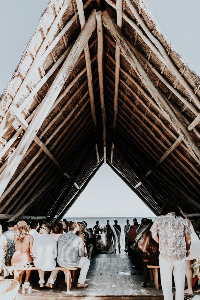 The ceremony took place in a hut on the seaside and the sea was a perfect backdrop for it