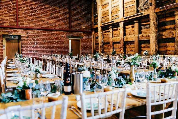 The wedding venue - the barn - looked amazing, chic, fresh, cozy and fully personalized