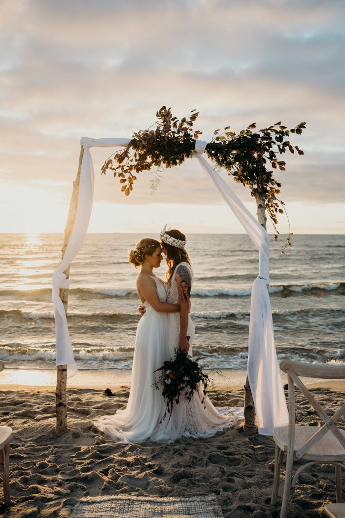 This gorgeous sunset beach wedding shoot is filled with gorgeous details that you may steal