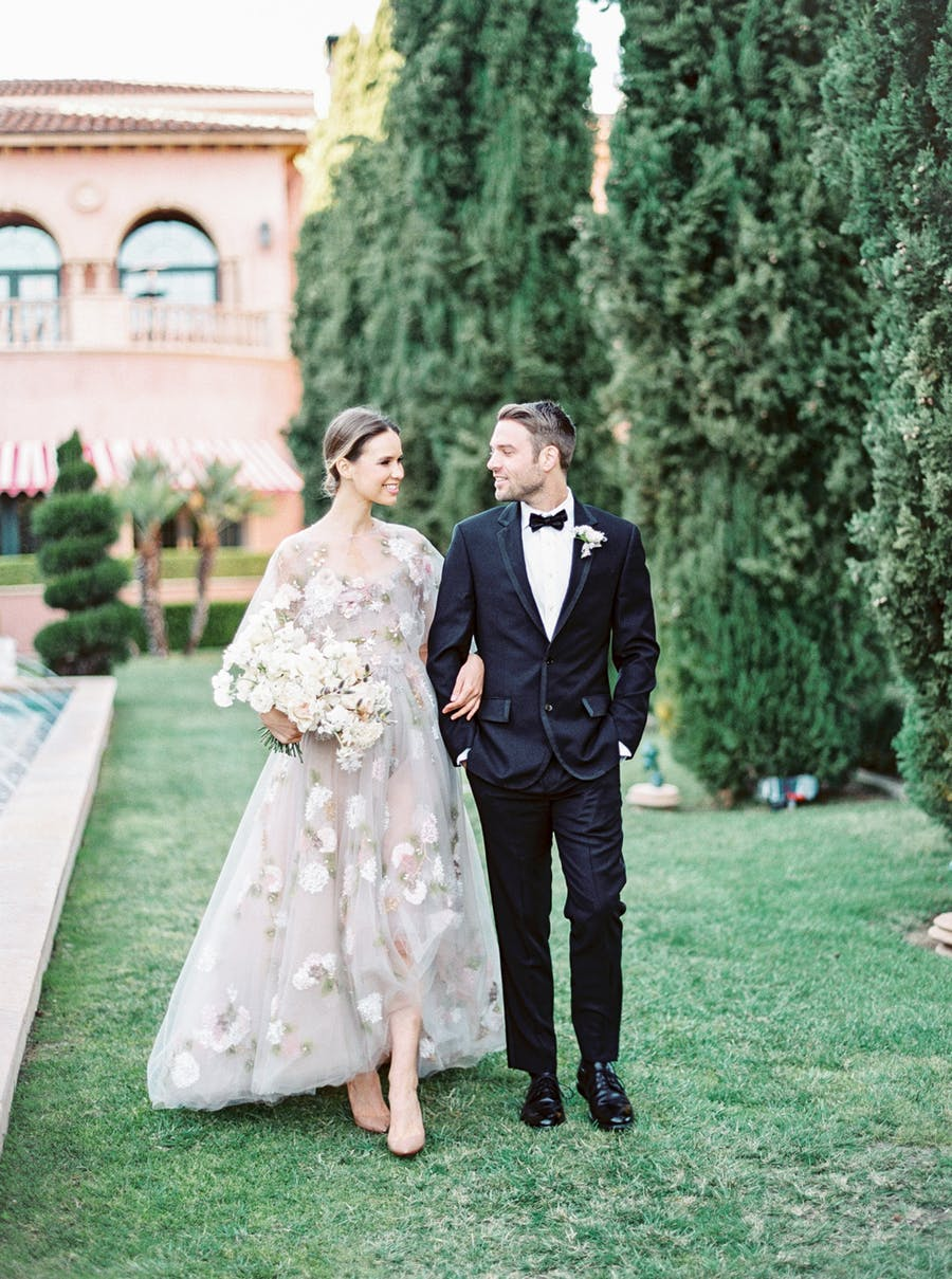 This super elegant and refined wedding shoot was inspired by Mediterranean touches, European architecture and art