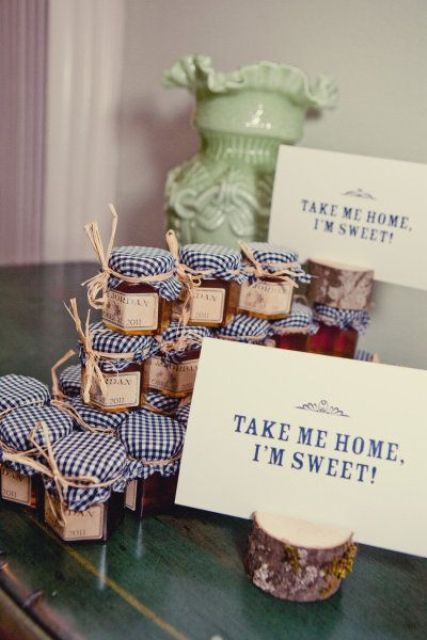 apple jam is ideal for fall wedding favors and a great way to embrace the season