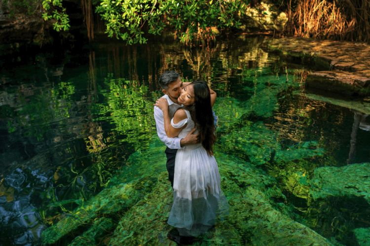 The couple went for underwater portraits in the lagoon