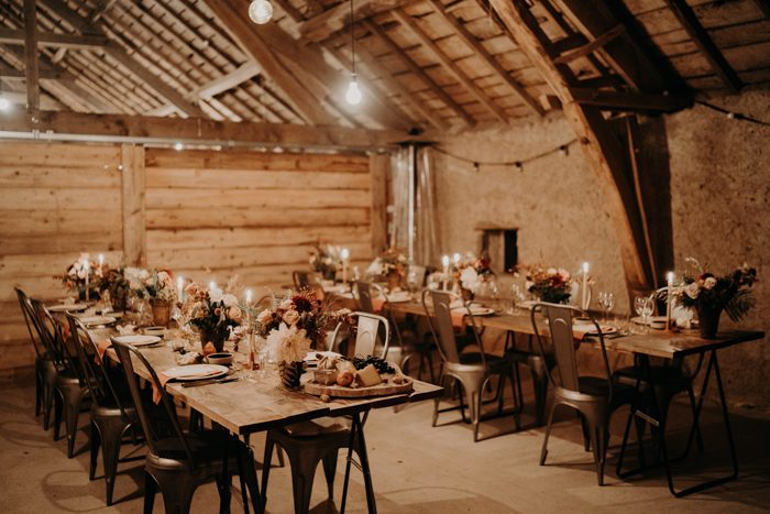 The venue was a very cozy one, lit with lights and candles, with relaxed boho chic decor