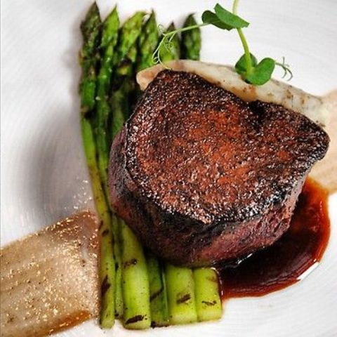 fillet mignon with asparagus is what you need for a fall wedding