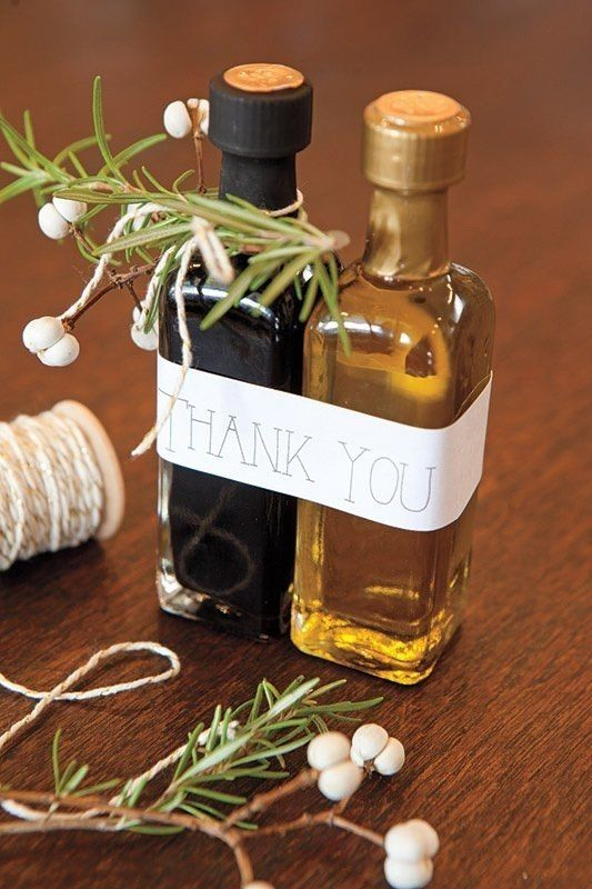 olive oil and balsamic vinegar wedding favors are ideal for an Italian wedding or if you serve Italian food