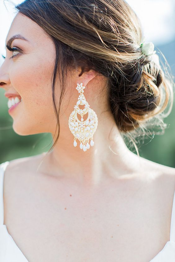 oversized earrings with river pearls for a gorgeously romantic bridal look