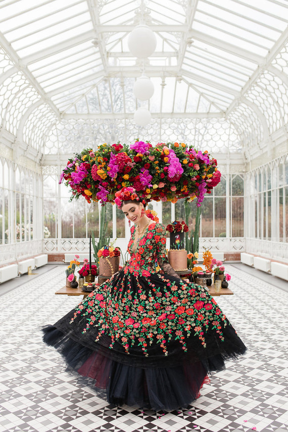 This bold and colorful wedding editorial is inspired by Frida Kahlo and her paintings
