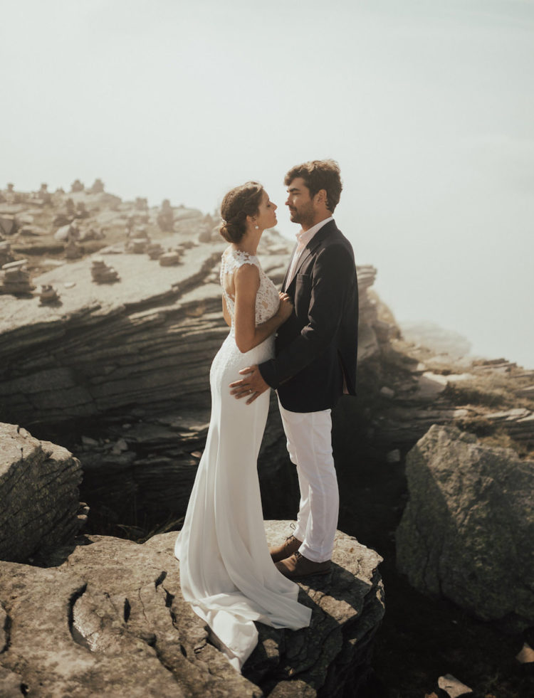 This gorgeous dreamy elopement took place on the mountaintop in the Basque Country and was planned only in 1 month