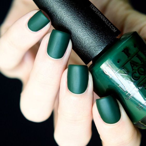 matte forest green wedding nails are a stunning and bold idea to embrace the fall