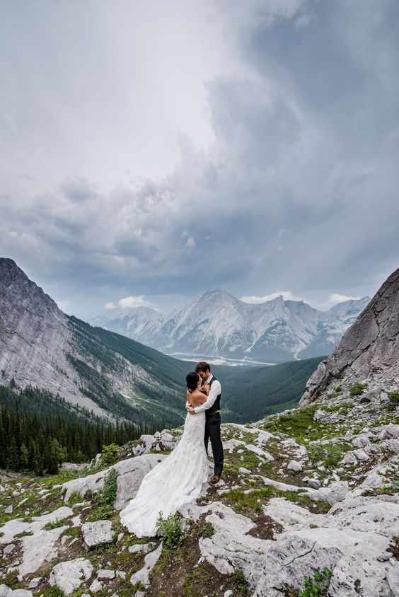 go for outdoor wedding portraits if the weather allows and you'll get amazing pics